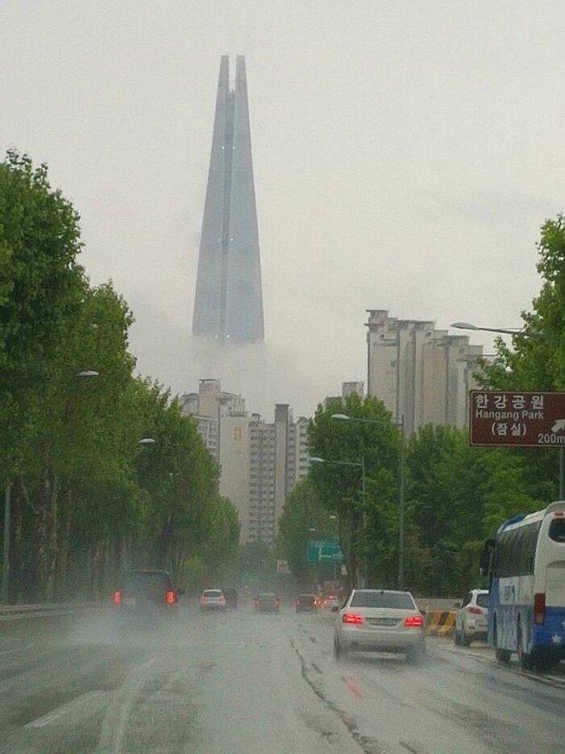 22. Sauron'un karanlık kulesi Seoul'da!