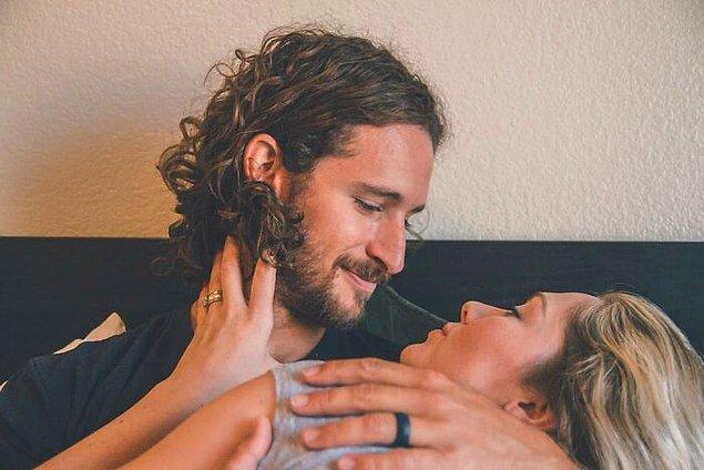 """6. """"Eşimle birlikte yaşamaya başladığımız ilk gün anında bana 'Ben arada osuruyorum.' demişti."""" 😂"""