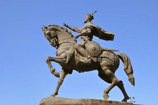 Aksak Timur ya da Timurlenk... 1402'de Ankara'yı aldıktan sonra hız kesmeden kışlamak için İzmir'e gelir ve 2 hafta süren bir kuşatmadan sonra İzmir'i tapınak şövalyelerinden alır.