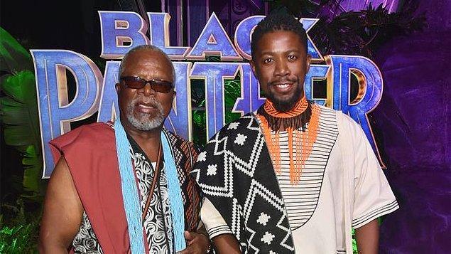 8. Marvel'ın 'Black Panther' filminde T'Chaka karakterini John Kani, gençliğini ise oğlu Atandwa canlandırdı.