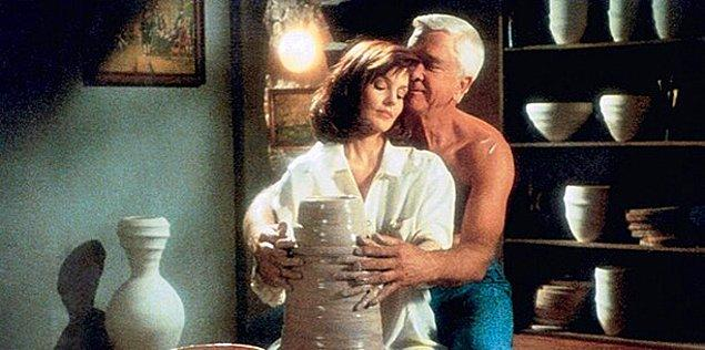 44. The Naked Gun: From the Files of Police Squad! (1988)