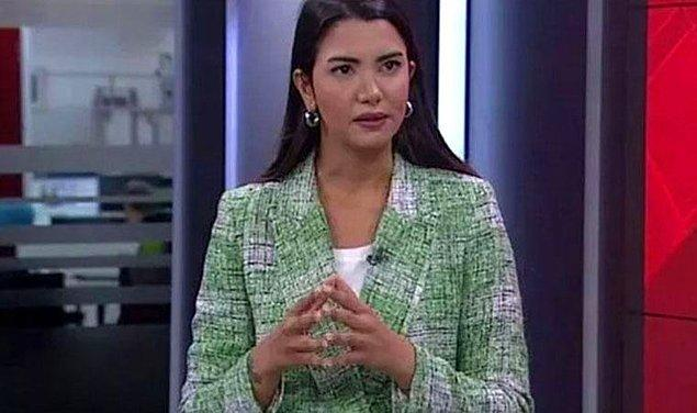 2006 yılında üniversiteye başlayan Öztürk okulu kazanır kazanmaz da kariyerine başlamış diyebiliriz. Kendisi 2007 yılında Doğan TV'nin bir programı sayesinde Star TV'nin iç yapımlarında staj yapmaya başlamış.