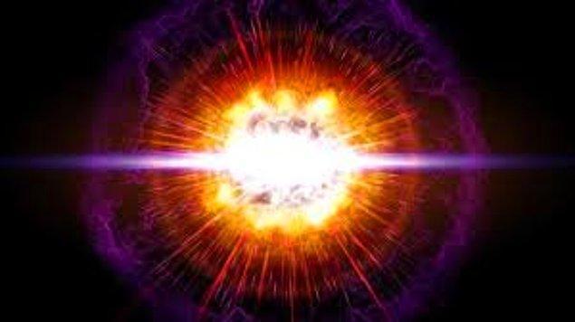 Güneş Dünya'yı her zaman, manyetize parçacıklardan oluşan bir sis yağmuruna tutuyor. Bu yağmur Güneş rüzgarı diye biliniyor.