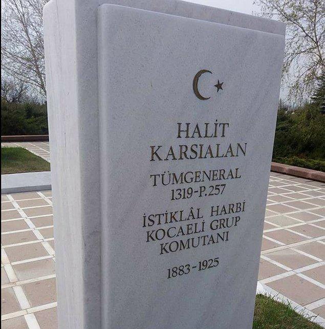 Meclis revirinde beş gün boyunca tedavisi süren Deli Halit Paşa, 14 Şubat 1925'te vefat etmiş. Yaralıyken olmasa da ölünce hastaneye götürülmüş ve zatürre sonucu vefat edildiği tespit edilmiş.
