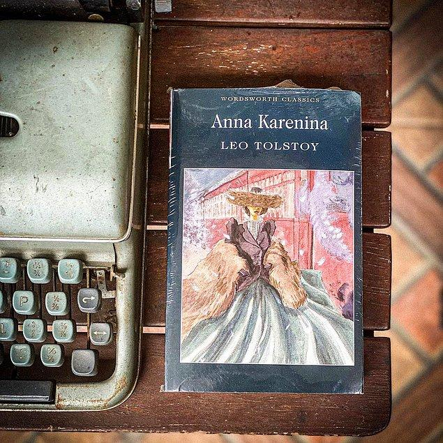 10. Anna Karenina - Lev Nikolayeviç Tolstoy