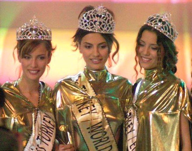 Güzel oyuncu; 1999 yılında Elite Model Look İpek Güzeli, 2000 yılında da Miss Turkey ikinci güzeli seçildi. Yardımseverliğinin ilk sinyalini de o günlerde verdi.