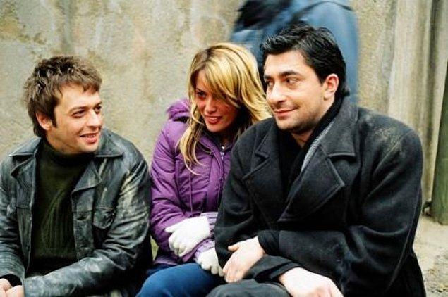 Gamze Özçelik aynı dönemlerde Kanal D ekranlarında izlediğimiz Serseri dizisinde Okan Yalabık ile başrolleri paylaştı.