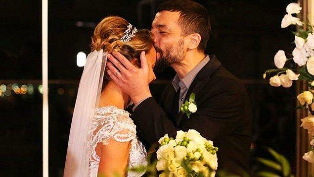 Pandemi sebebiyle arkadaş çevresini düğüne davet edemeyen çift, aile arasında bir organizasyon gerçekleştirdi.