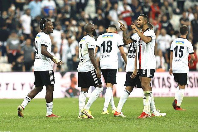 Belçikalı forvet attığı 2 golle maça damga vurdu, diğer gol ise Kevin N'Koudou'dan geldi.
