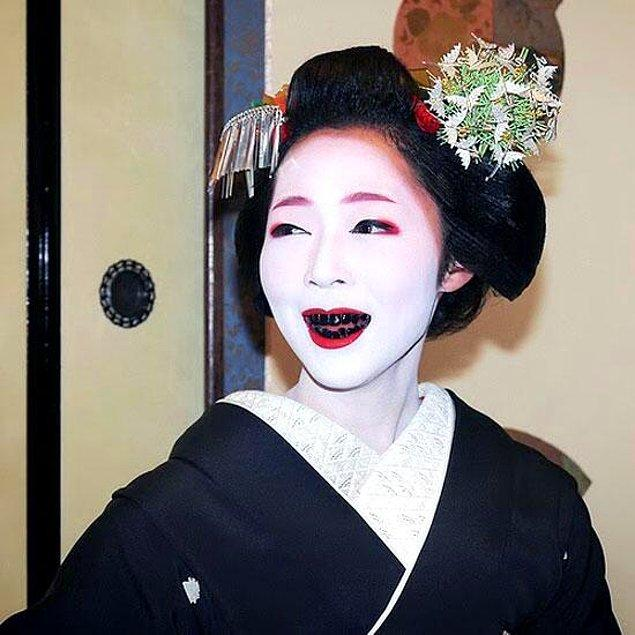 7. Siyah diş - Japonya