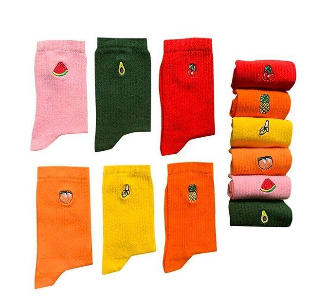 9. Birbirinden renkli, birbirinden meyveli çoraplar...