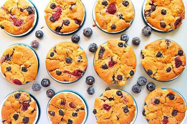 Orman meyveli muffinler yemeye ne dersiniz?
