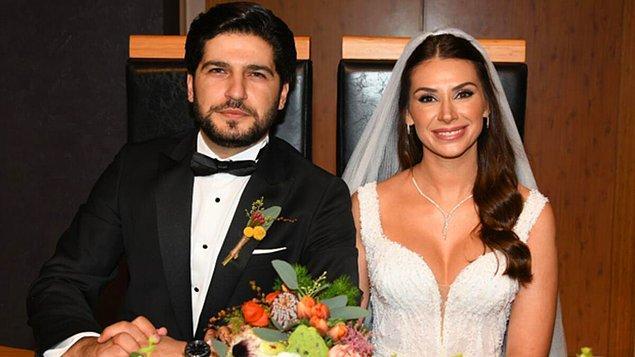 Kendisi şu anda geçtiğimiz yıl dünyaevine girdiği Mehmet Cemil ile birlikte.