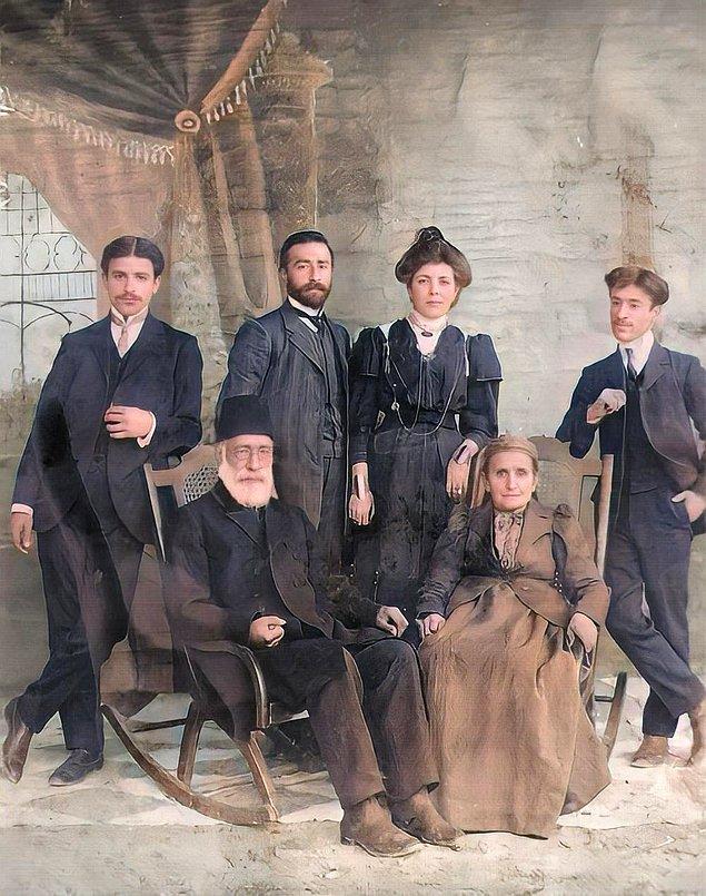 17. Antepli bir aile, Gaziantep, 1910.