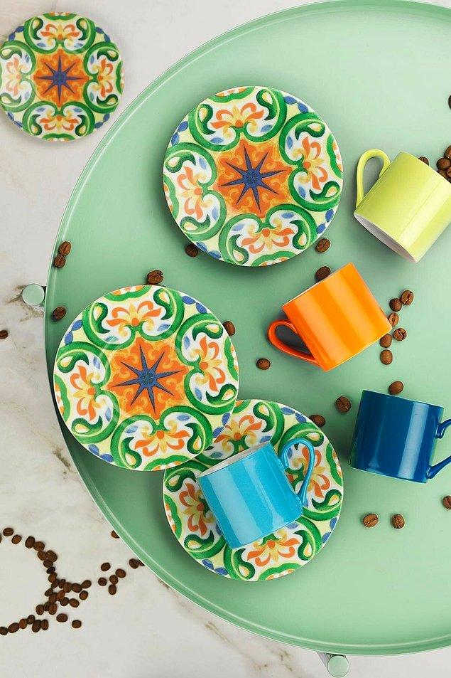 10. Kütahya Porselen'den rüya bir bir kahve takımı.
