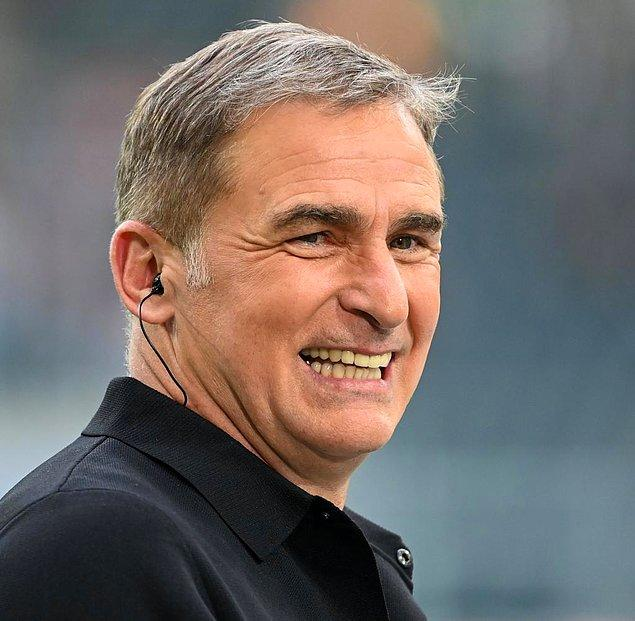 Teknik direktörlük kariyerine Neunkirchen takımında başlayan 58 yaşındaki Stefan Kuntz, Karlsruhe, Mannheim, Arlen, Kkoblez, Bochum, K'lautern takımlarını çalıştırdı.