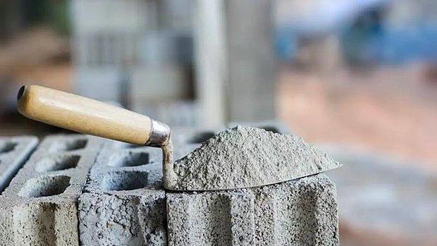 TÜRKÇİMENTO'dan İnşaatçılara Çağrı: 'Daire Fiyatında Yüzde 50 İndirim Yapsın, Çimentolarını Bedava Vereceğiz'