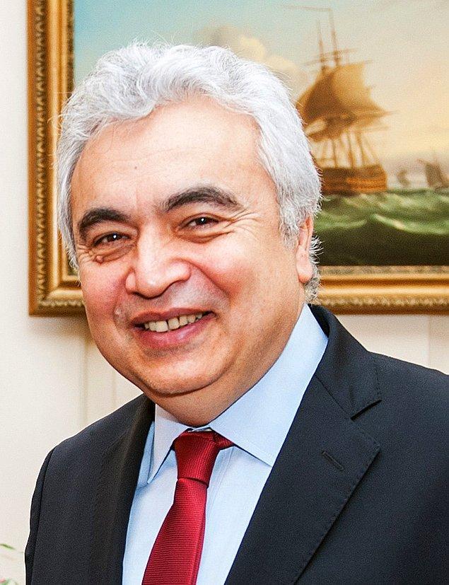 2015 yılına kadar ise Küresel Enerji Ekonomisi Direktörü olarak görev yaptı. Şu an ise aynı zamanda Sabancı Üniversitesi İstanbul Uluslararası Enerji ve İklim Merkezi (IICEC) Fahri Başkanlığına devam ediyor..