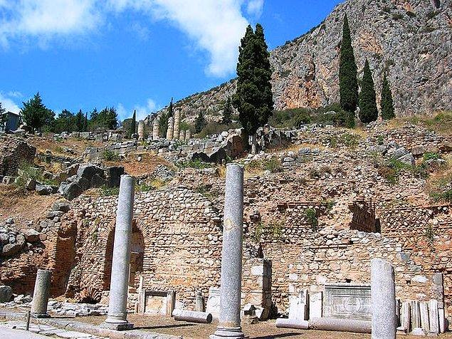 18. Tebai - Yunanistan (M.Ö. 1400)