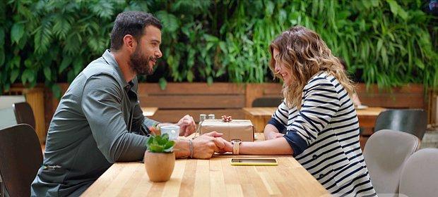Romantik - Komedi Filmlerinden Fırlamış Gibi Bir İlişkisi Olanların Bildikleri 8 Şahane Durum