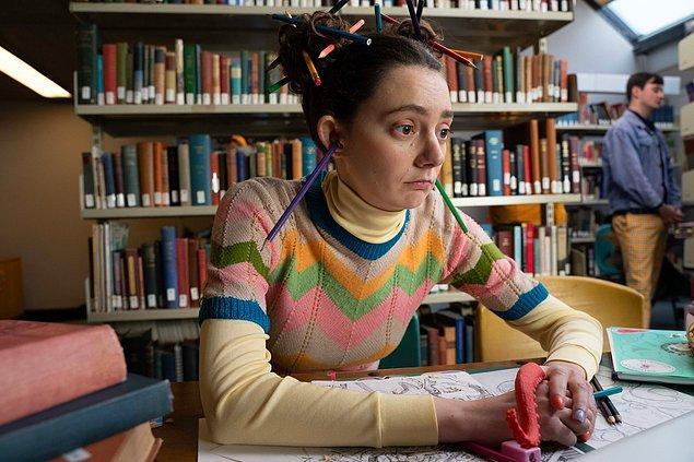10. Lily karakterini canlandıran Tanya Reynolds'a karaktere hazırlanma sürecinde en çok yardımı dokunan şey ise robotlar ve uzaylılar olmuş!