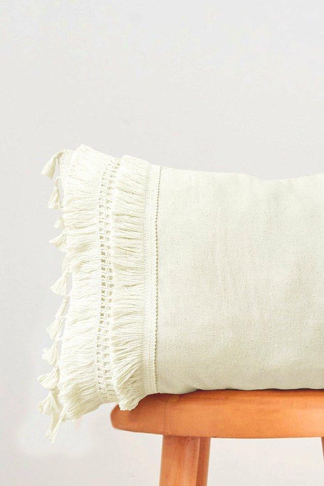 4. Dantel ve püskül detaylarının yanı sıra keten kumaşıyla da çok şık...