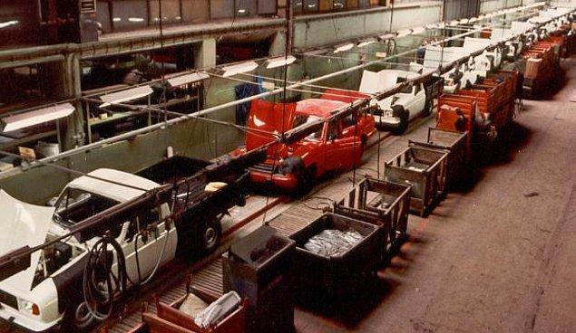 1970'lerin ortasında Anadol modellerinin ortadan ikiye kesilerek kamyonete dönüştürülmesi ise Anadol'un prestijini düşürdü ve taleplerin azalmasına sebep oldu.