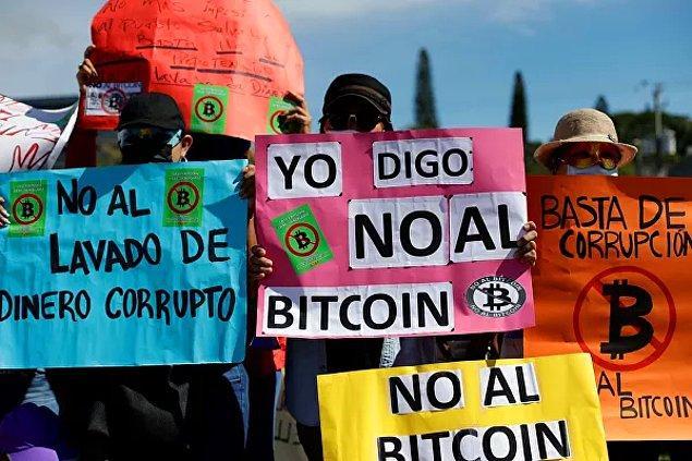 Değişikliğin ardından hesabın bilgisayar korsanları tarafından ele geçirilmiş olabileceği düşünülse de Bukele, Bitcoin ile ilgili paylaşımlarına devam etti.