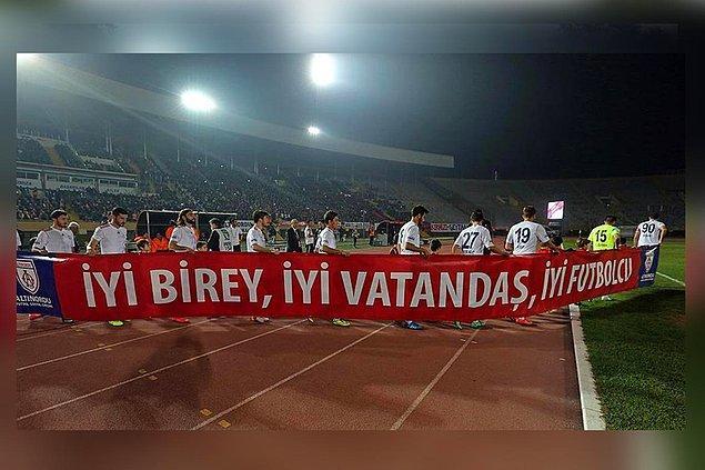 Ve en önemlisi de sloganlarında belirttikleri gibi ''İyi birey, iyi vatandaş ve iyi futbolcu'' üretmeleriyle herkesin gıptayla baktığı bir kulüp Altınordu FK.