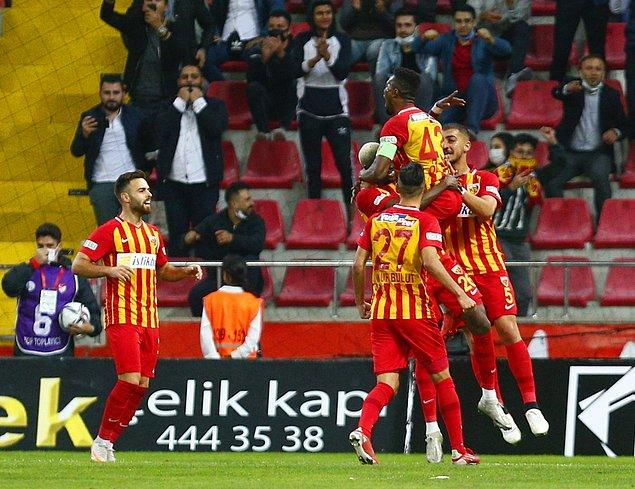 Hikmet Karaman'lı Kayserispor ise puanını 10'a yükseltti.