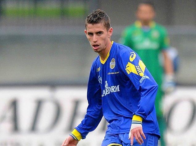 Ve Tanrıya şükür, 15 yaşındayken haftalık €20'ya Verona'ya transfer oldum.