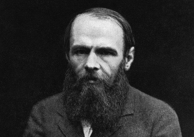 14. Dostoyevski'nin kumar bağımlılığı ve hırsızlık gibi kötü alışkanlıkları vardı.
