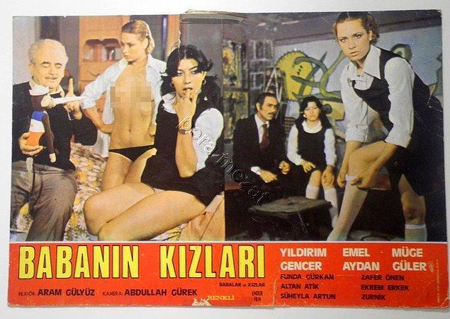 Tüm bu işleri yürütürken bir yandan da Yeşilçam'da hem senaryo yazıp hem de oyunculuk yaptığı zamanlar da yok değil Zurnik'in. Belki göz ucuyla olsa bile onu filmlerde görmüş olabilirsiniz.