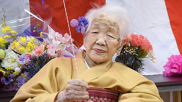 118 yaşındaki Kane Tanako'nun 'Dünyanın En Yaşlı İnsanı' olarak 'Guinness Dünya Rekorları' kitabına giren en yaşlı insan olarak rekorun sahibi olduğunu düşünüyorduk...