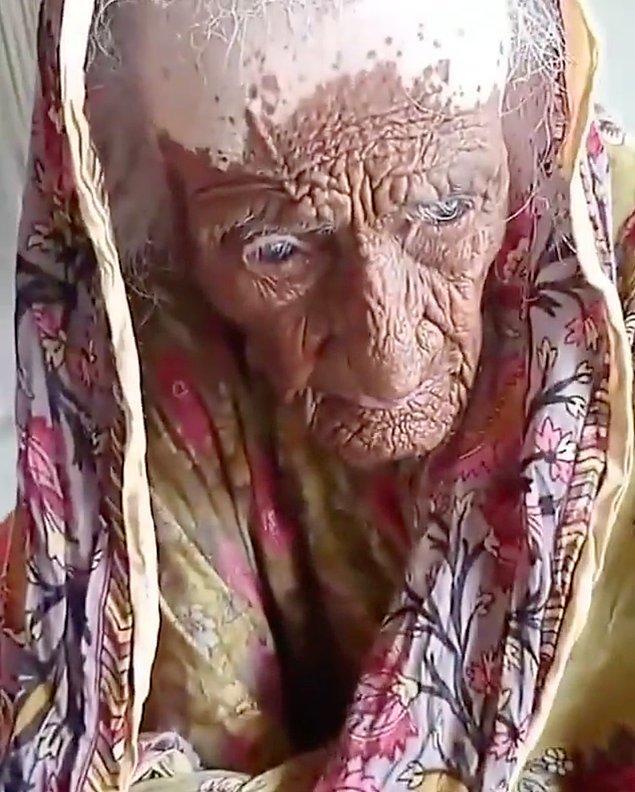 Sosyal medyada viral olan videodaki kadının 300 yaşında olduğu iddia edilince bi' şaşırmadık değil...