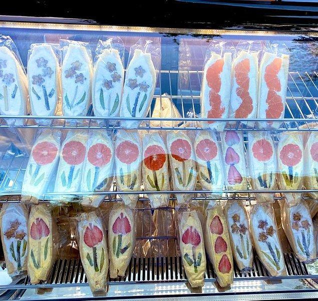 2. Sunum güzelliğine önem veren Japonların çiçek desenli sandviçleri.