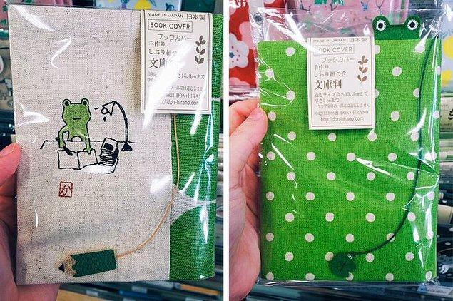 9. Japonya'da satılan bu sevimli kitap kapakları, toplu taşıma veya sokakta hangi kitabı okuduğunuzu gizleyen şirin bir detay.