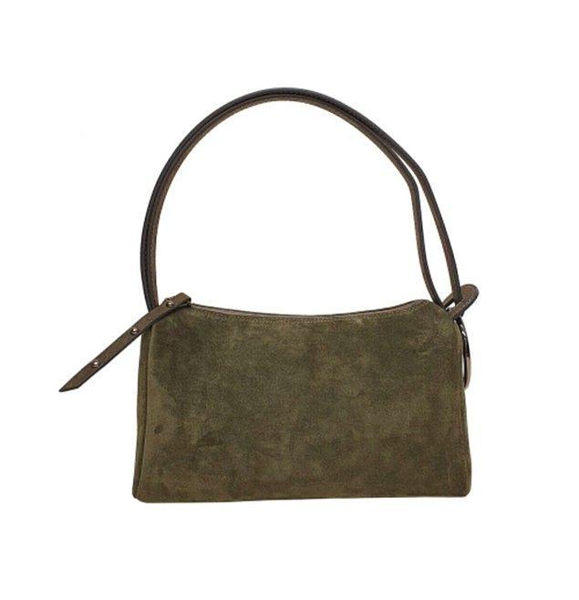 1. 8 farklı renk seçeneğiyle sonbaharda bu çantayı neyle kombinleseniz çok şık olacak!