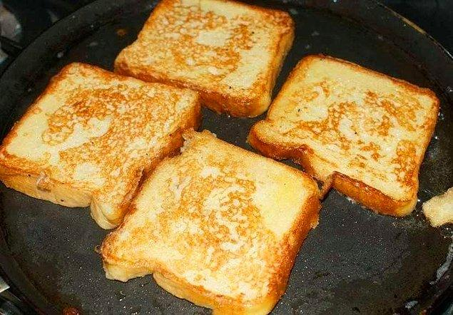 Cheddar Peynirli Tavada Tost Tarifi