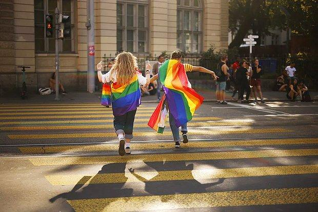 İlk Sonuçlara Göre İsviçrelilerin Yarıdan Fazlası Eşcinsel Evliliklerin Yasallaşmasına 'Evet' Dedi