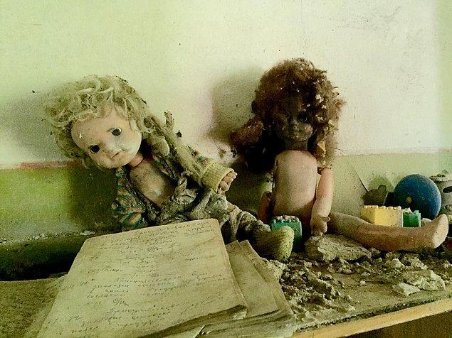 Nükleer faciadan sonra Çernobil terk edilirken oyuncak bebekler geride bırakılmıştı. Şehir artık onlarındı...