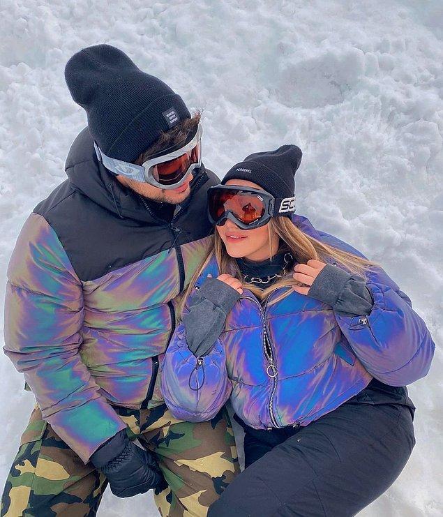 Yaptığı paylaşımlarda da sevgilisi Uğur Şengül ile sosyal medyanın en sevilen çiftleri arasına girmişti.