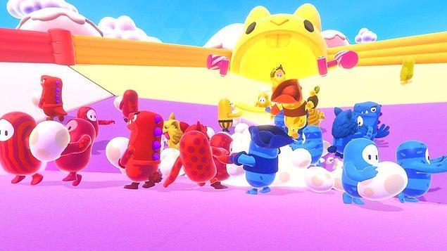 Oyunun geliştiricisi Mediatonic'in oyunun Twitter hesabından paylaştığı gönderiye göre Fall Guys en çok indirilen PlayStation Plus oyunu olarak tarihe geçti.