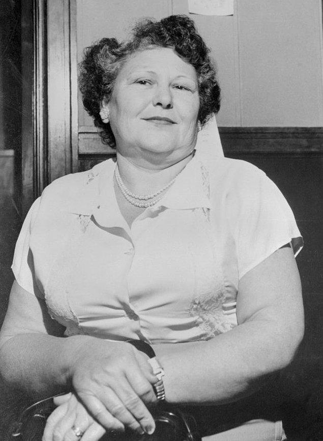 Nannie Doss ya da tüm dünyanın bildiği adıyla 'Kıkırdayan Büyükanne', 4 Kasım 1905 'te Alabama'da doğdu.