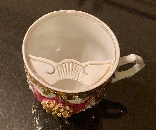 2. Victoria devrinde erkekler çaylarını özel bıyık bölmesine sahip fincanlarda içerdi.