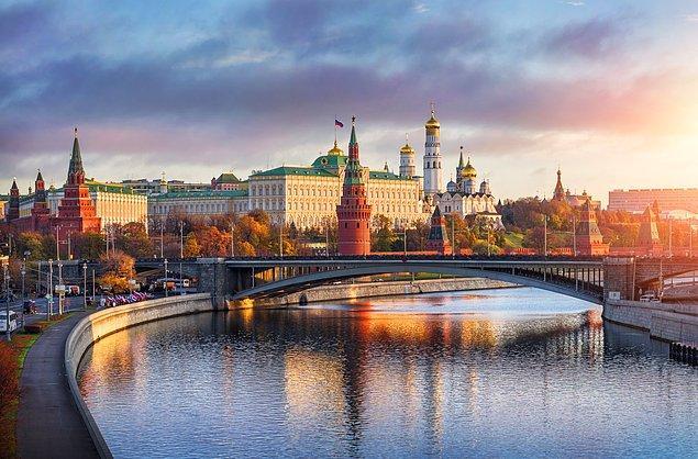 Ankete katılanların %16.4'ü müttefik, %24.5'i gerekli ortak, %14'ü rakip ve %24.5'i Rusya'nın düşman olduğunu düşünüyor.