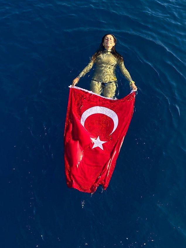 Fatma Uruk bir serbest dalışçı. Aynı zamanda da milli bir sporcu.