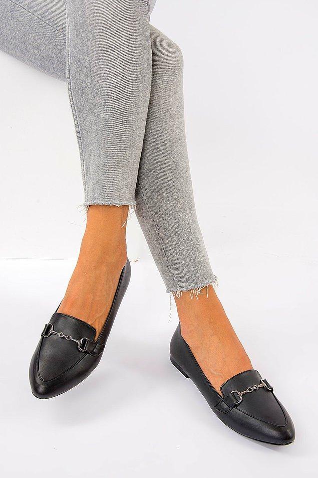 1. Bu babet ayakkabı rahatına düşkün iş kadını ayakkabısı.