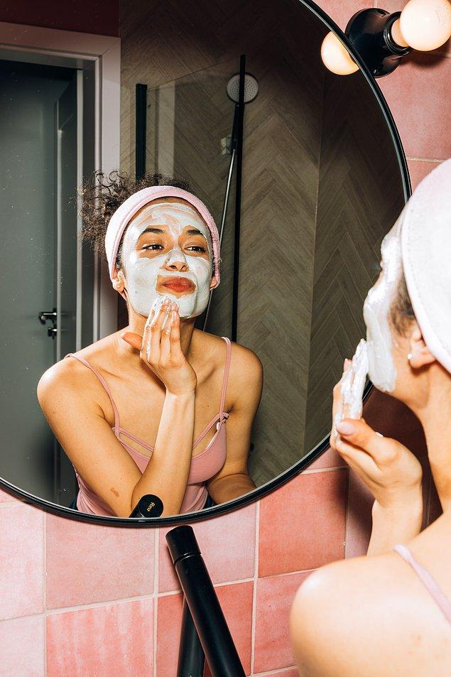 Peeling, tonik ve maskeyi ihmal etmeyin.