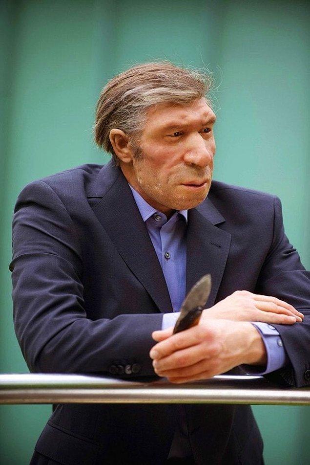 6. Neanderthal takım elbise giyip kravat taksa böyle görünürdü.